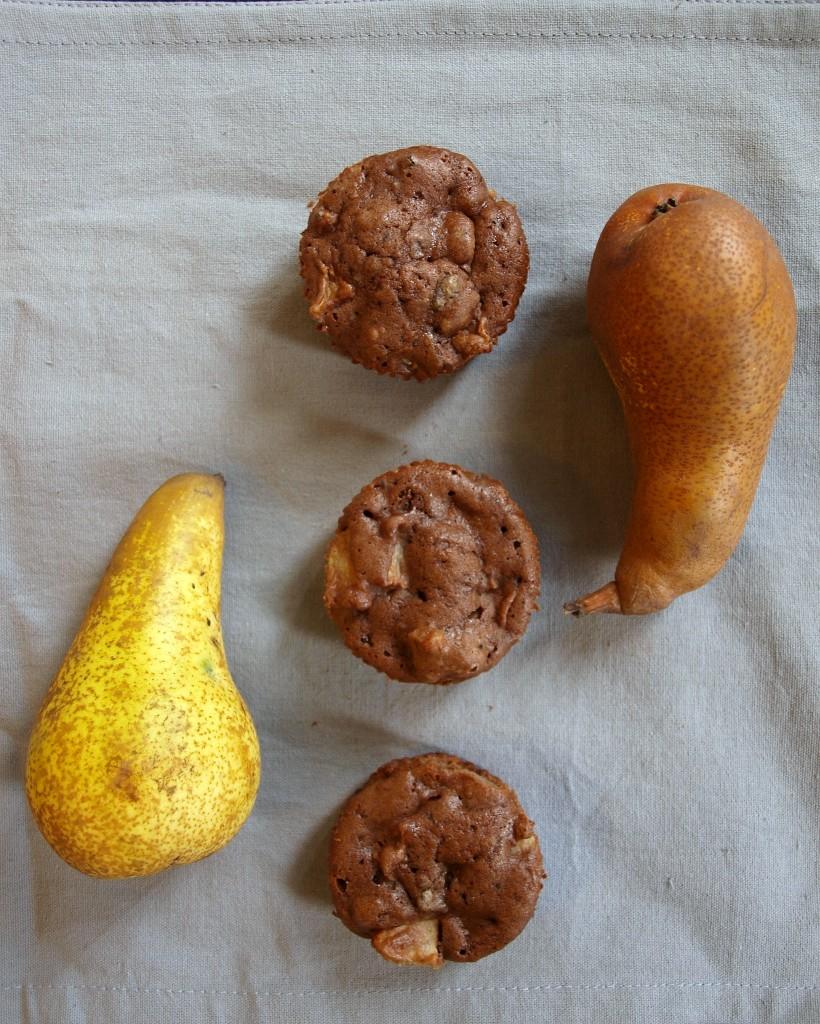 3 Brownies, 2 Birnen, 1 Kamera