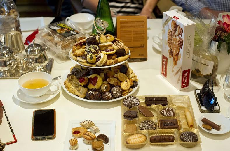 Konferenzkekstest - Keks wohin das Auge blickt